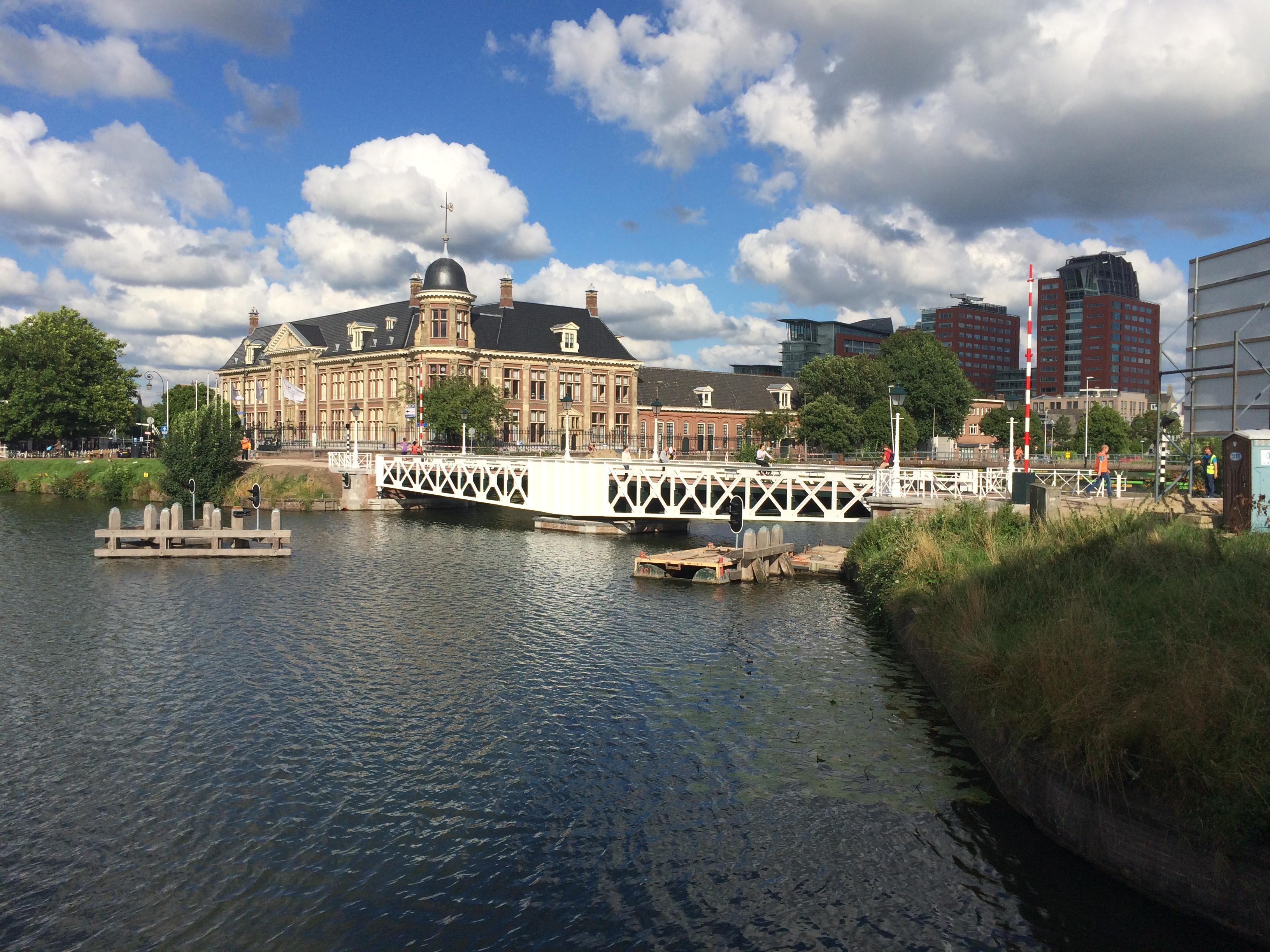 Modderkolk draagt steentje bij aan renovatie Muntbrug Utrecht