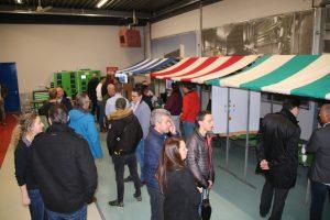 Eerste Technische Banenmarkt bij Modderkolk trekt veel geïnteresseerden!