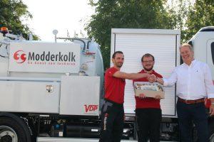 Nieuwe zuigauto voor team Riooltechniek - Modderkolk