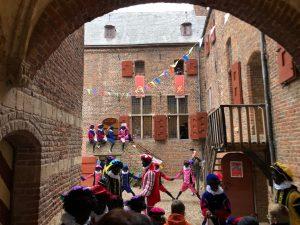 Kinderen van personeel uitgenodigd op het Sinterklaaskasteel!